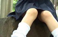 คลิปแอบถ่ายใต้กระโปรงนักเรียนญี่ปุ่นประถมคอซองขาอ่อนขาวจั๊วะ นั่งไม่ระวังเสร็จตาแมว นักเรียน,วัยุร่น,นักศึกษา,เปิดซิง นิสิต นักศึกษา